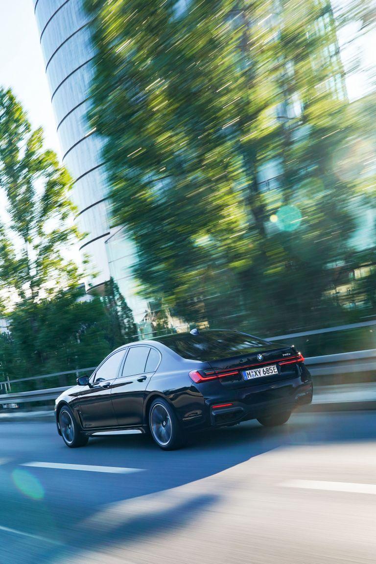 2019 BMW 745e 595285
