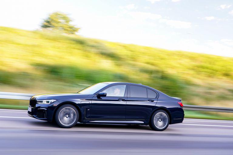 2019 BMW 745e 595286