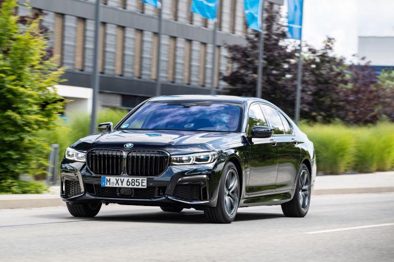 2019 BMW 745e 595292