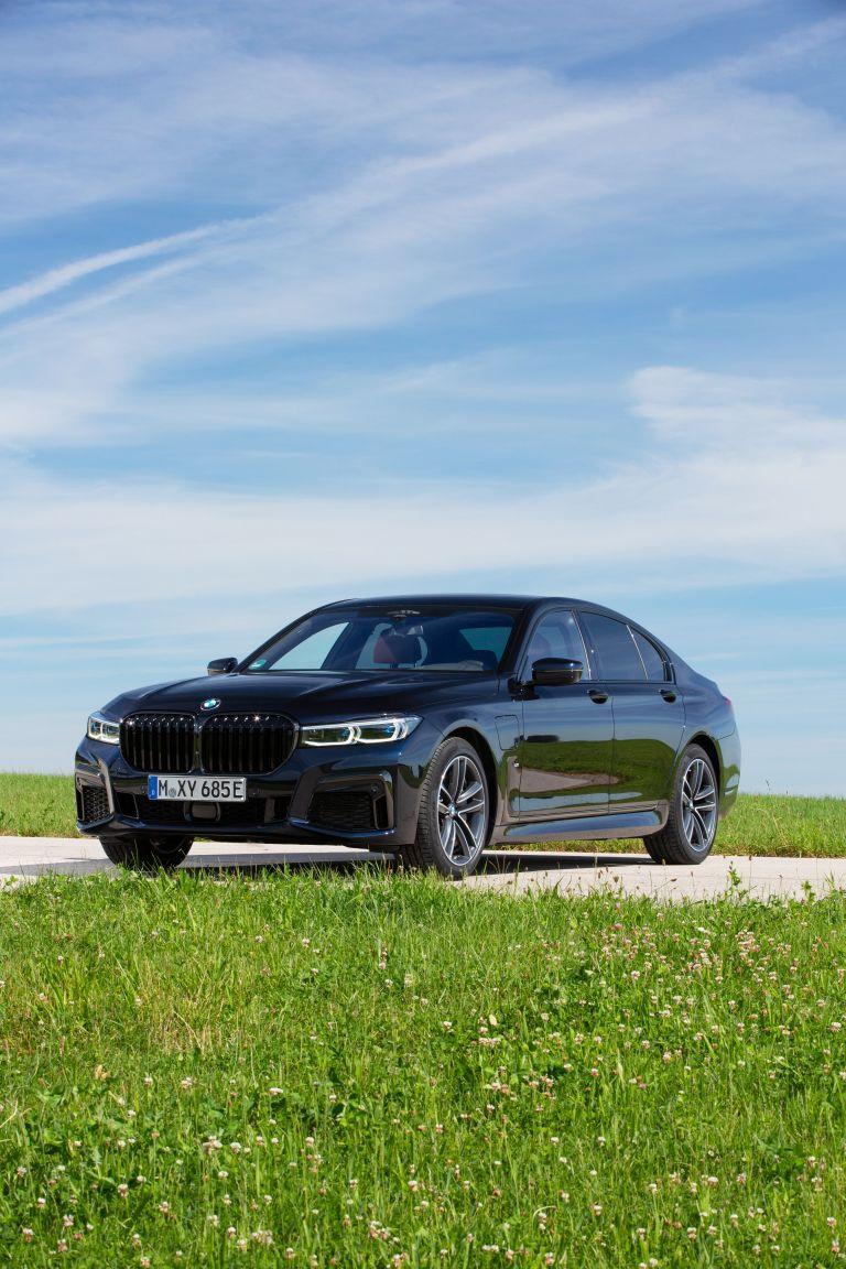 2019 BMW 745e 595293