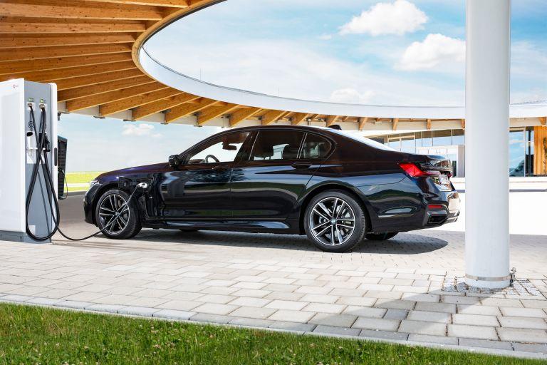 2019 BMW 745e 595297