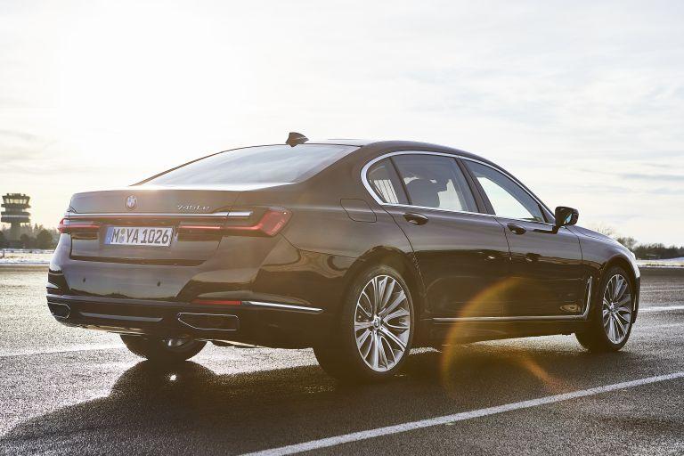 2019 BMW 745Le 535637