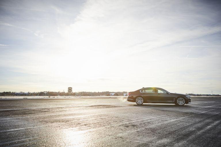 2019 BMW 745Le 535640