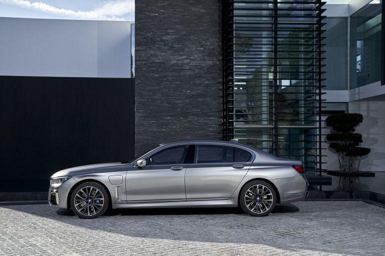 2019 BMW 745Le 541279