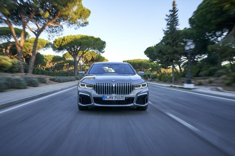 2019 BMW 745Le 541289