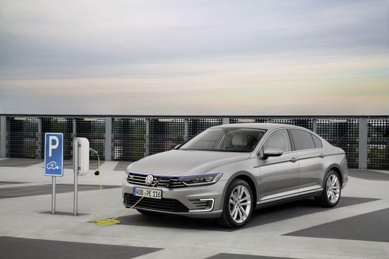 2020 Volkswagen Passat GTE 536031