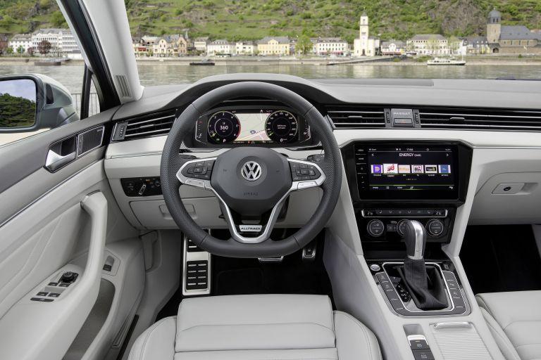 2020 Volkswagen Passat Alltrack 549176