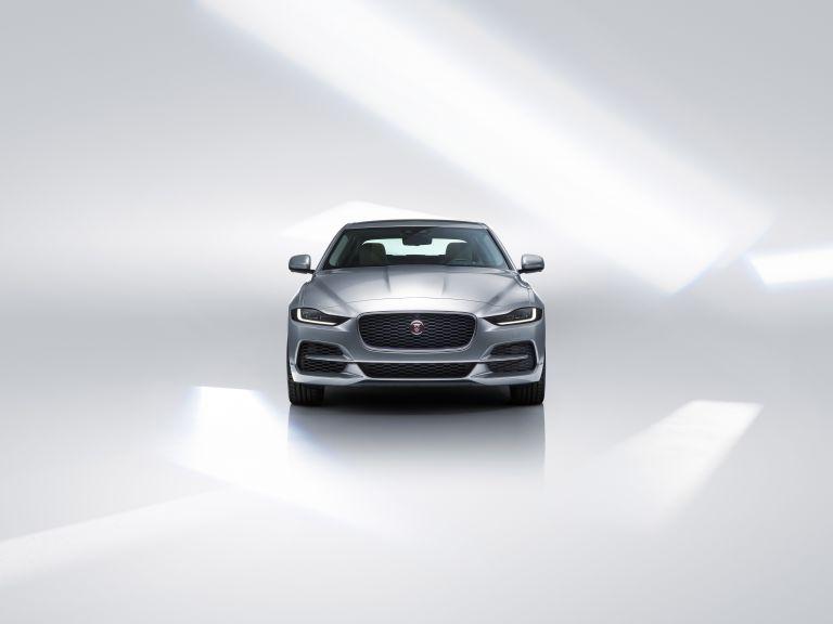 2020 Jaguar XE 538214
