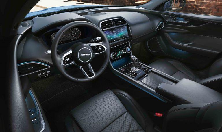 2020 Jaguar XE 538241