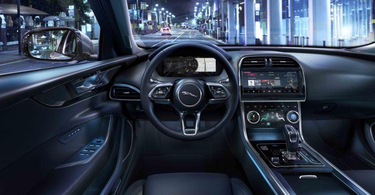 2020 Jaguar XE 538242