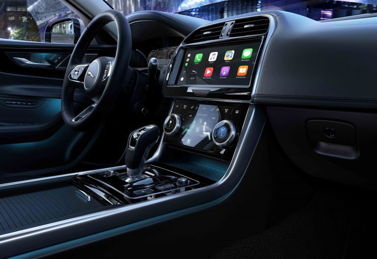 2020 Jaguar XE 538244
