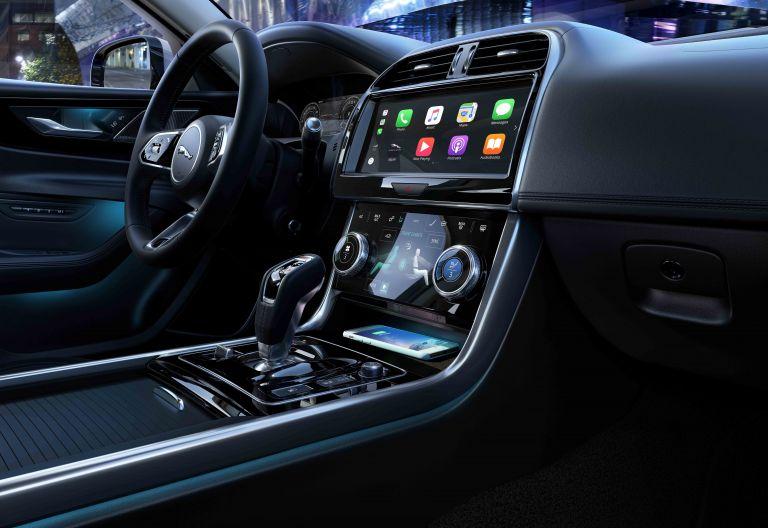 2020 Jaguar XE 538245