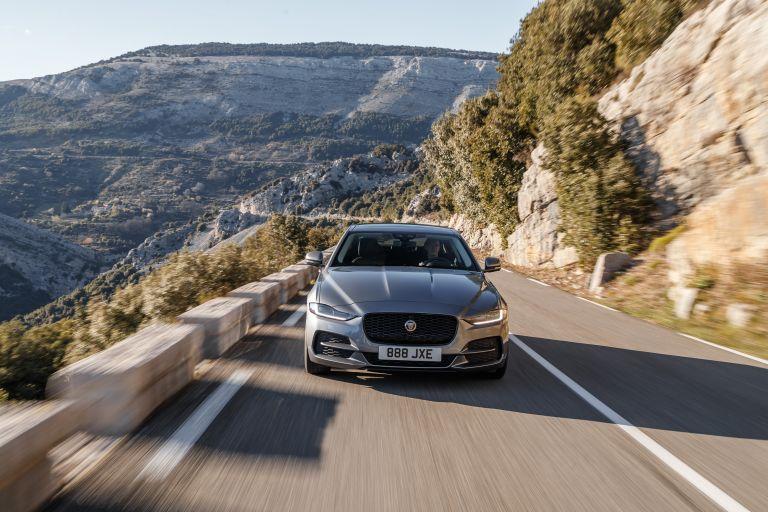 2020 Jaguar XE 545618
