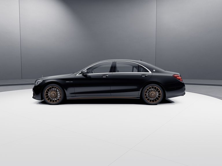 2019 Mercedes-AMG S 65 Final edition 538702