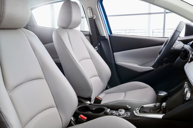 2020 Toyota Yaris hatchback 541117