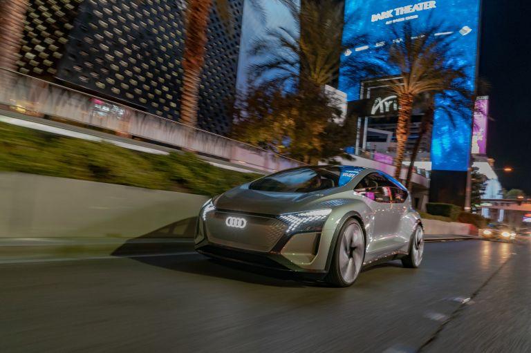 2019 Audi AI:ME concept 573529