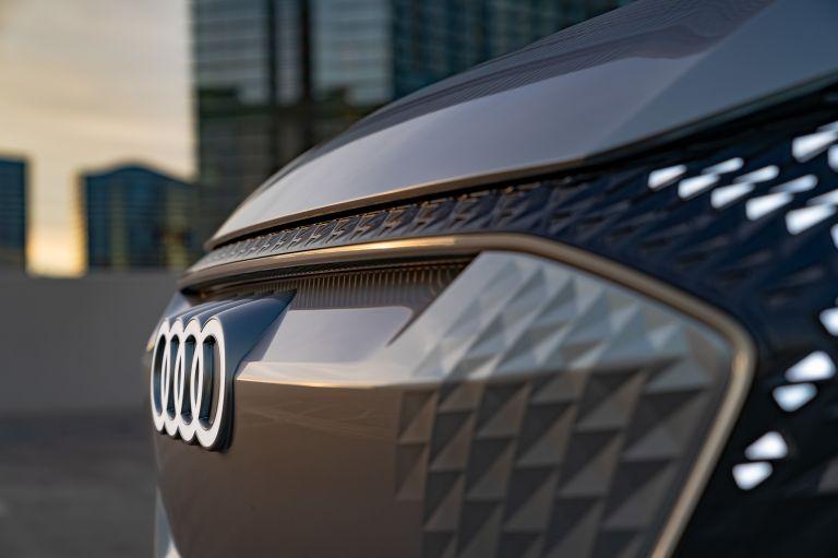 2019 Audi AI:ME concept 573575