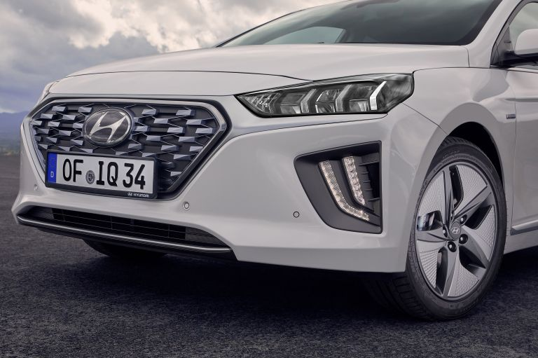 2019 Hyundai Ioniq Hybrid 544548