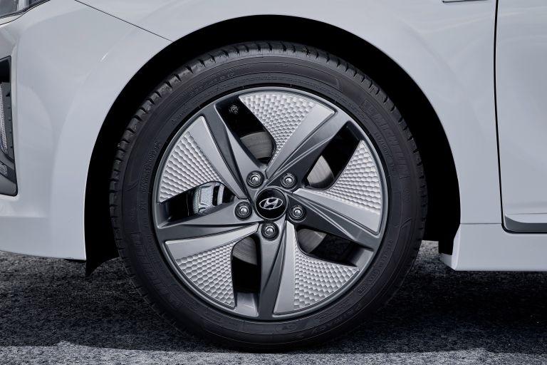 2019 Hyundai Ioniq Hybrid 544549