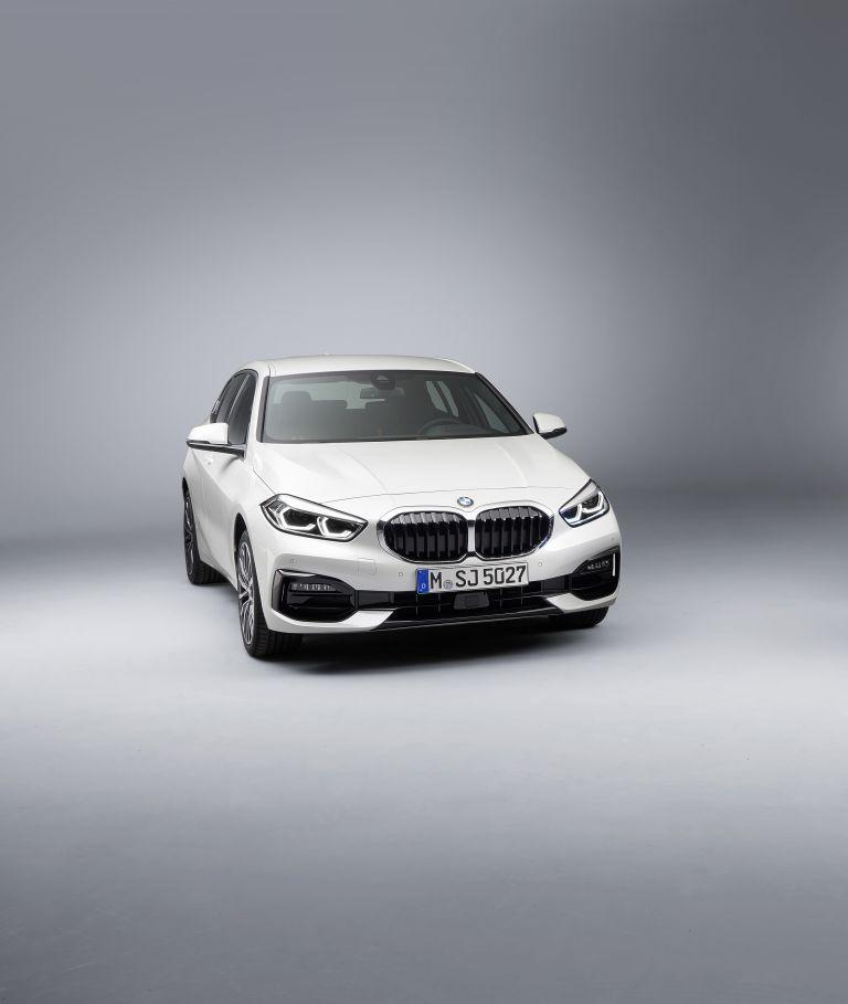 2019 BMW 118i ( F40 ) Sportline 546635