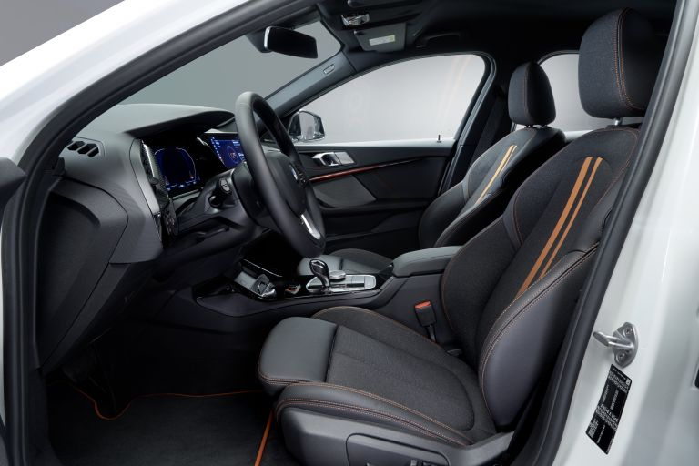 2019 BMW 118i ( F40 ) Sportline 546637