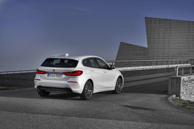 2019 BMW 118i ( F40 ) Sportline 546645