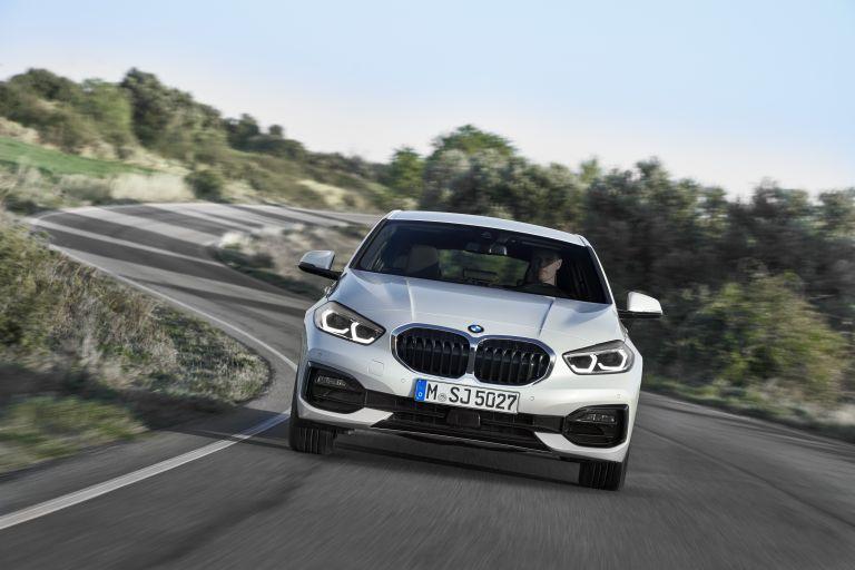 2019 BMW 118i ( F40 ) Sportline 546657