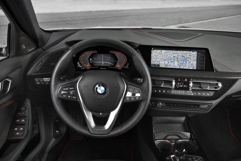 2019 BMW 118i ( F40 ) Sportline 546678