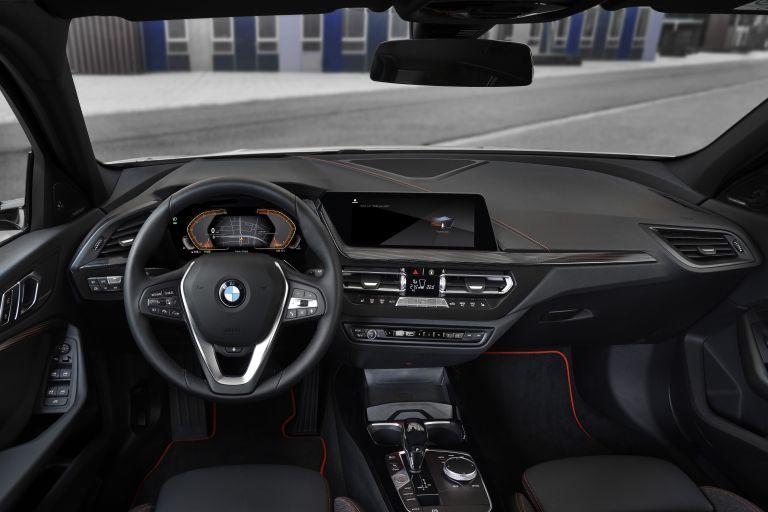 2019 BMW 118i ( F40 ) Sportline 546679