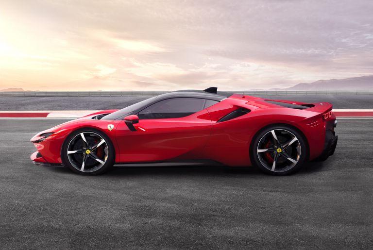 2019 Ferrari SF90 Stradale 547136