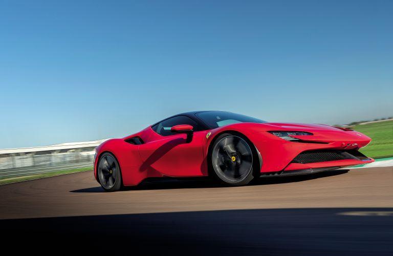 2019 Ferrari SF90 Stradale 586401