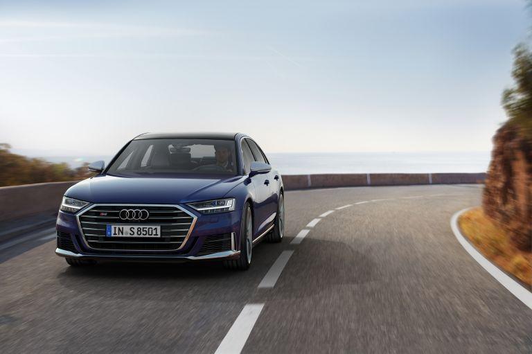 2019 Audi S8 551007