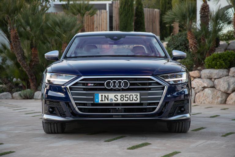 2019 Audi S8 568112
