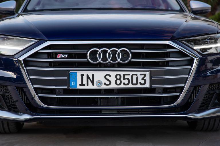 2019 Audi S8 568113