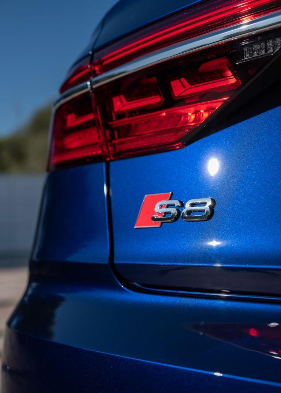 2019 Audi S8 568119