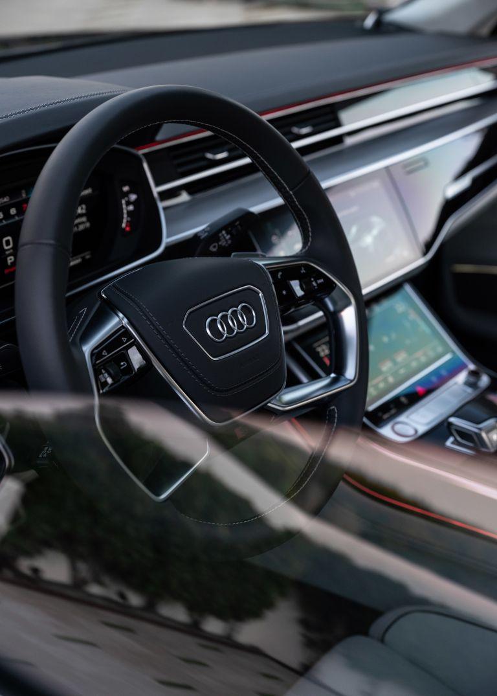 2019 Audi S8 568120