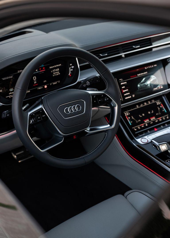 2019 Audi S8 568121