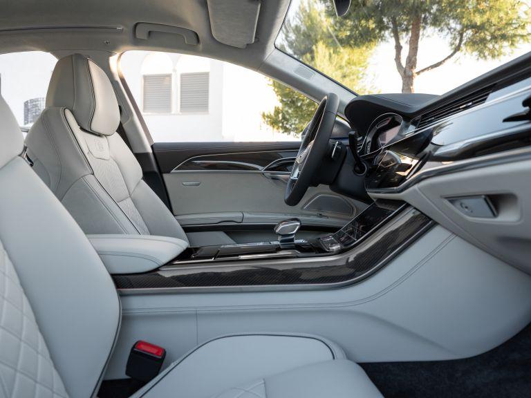 2019 Audi S8 568124