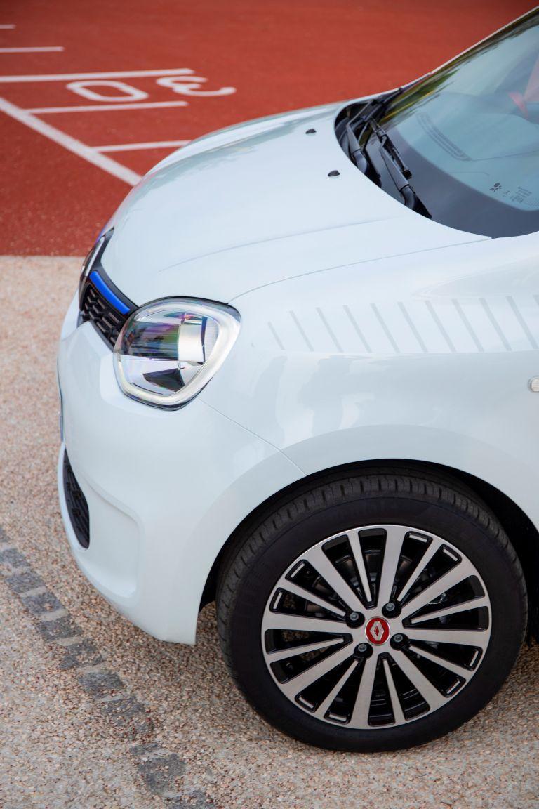 2019 Renault Twingo Le Coq Sportif Limited Edition 552323