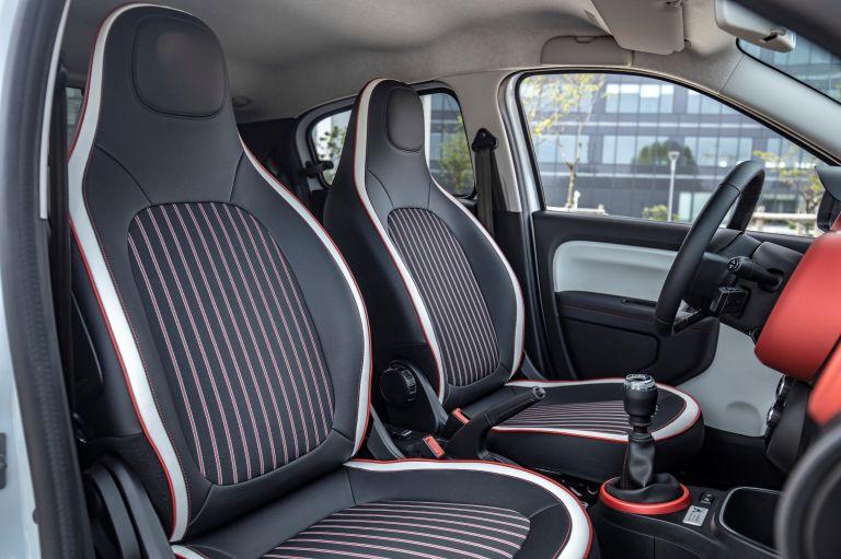 2019 Renault Twingo Le Coq Sportif Limited Edition 552335