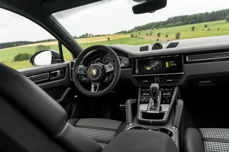 2020 Porsche Cayenne Turbo S E-Hybrid 556062