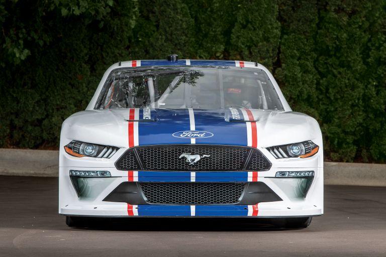 2019 Ford Mustang NASCAR Xfinity series 556297