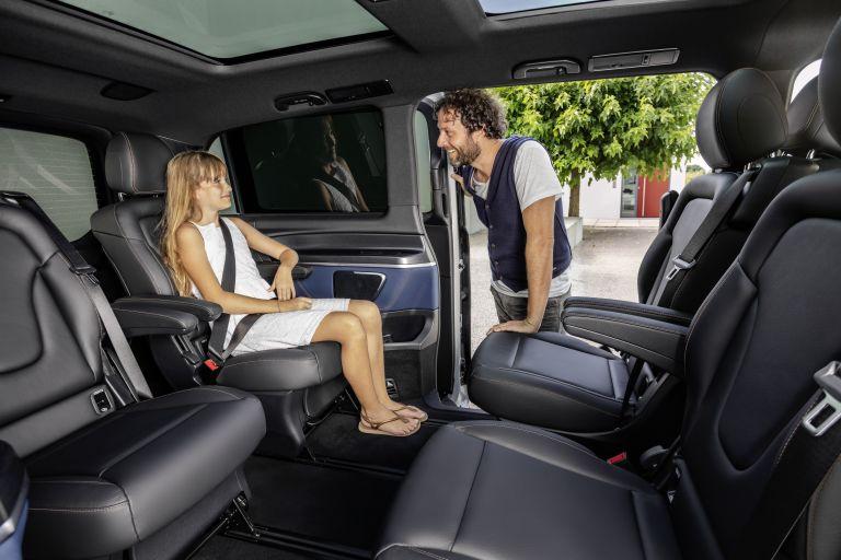 2020 Mercedes-Benz EQV 556796