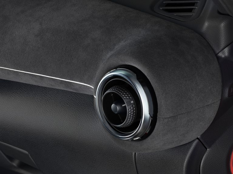 2020 Nissan Juke 561808