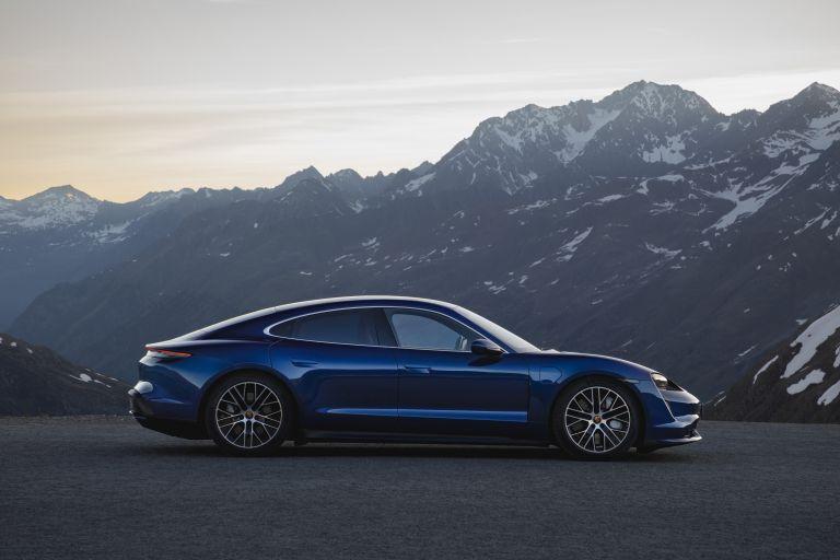 2020 Porsche Taycan turbo 557720