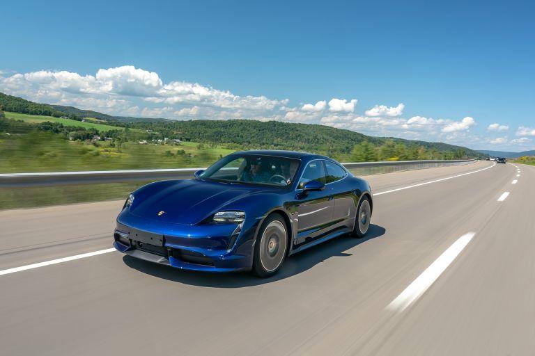 2020 Porsche Taycan turbo 562789