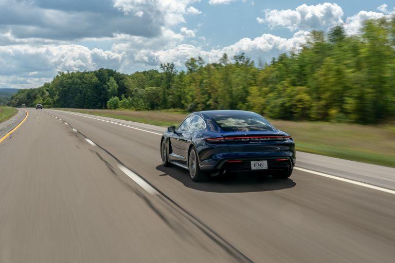 2020 Porsche Taycan turbo 562790