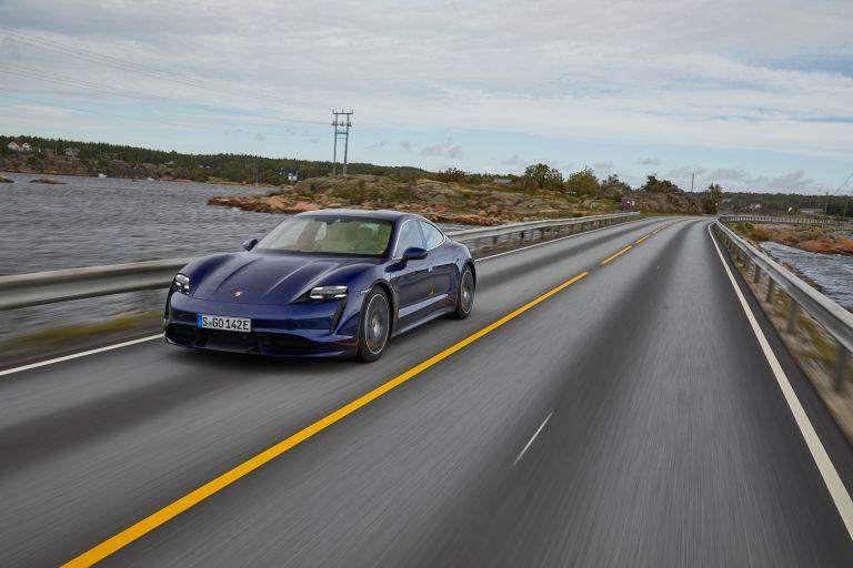 2020 Porsche Taycan turbo 562803