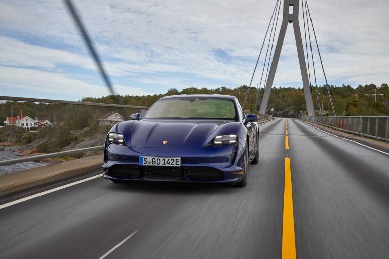 2020 Porsche Taycan turbo 562804