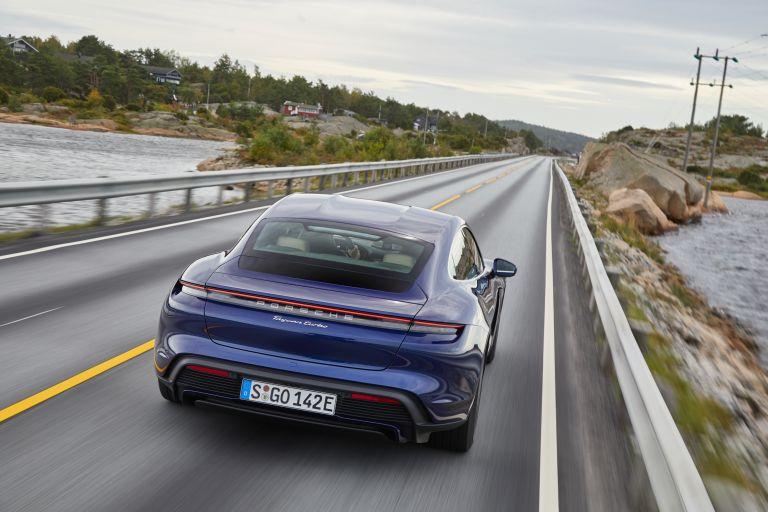 2020 Porsche Taycan turbo 562806